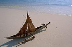 沙滩上香蕉船图片下载