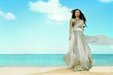 章子怡沙滩高清摄影图片